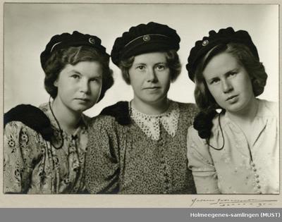 Russebilde av tre jenter sammen