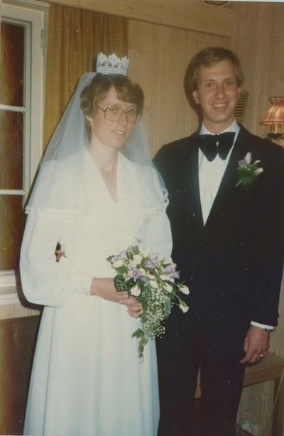 Brudeparet Anne-Lise Tolpinrud og Kjell Torleivson Raunedokken