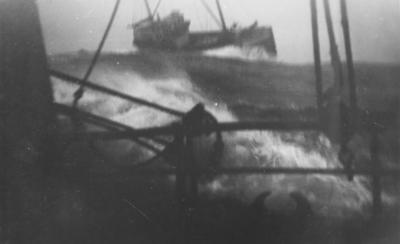 M/K Toran av Bjarkøy i hardt vær