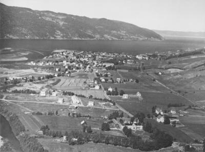 Flyfoto over Bårdshaug og Orkanger