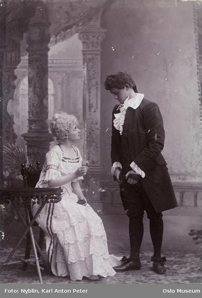 Halfdan Christensen og Agnes Simonsen i Ambrosinus.