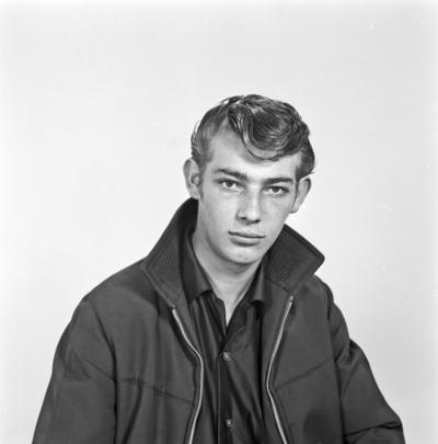 Portrett ung mann - bestiller Hans K