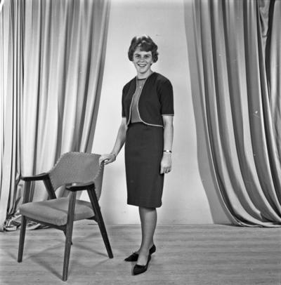 Portrett ung kvinne - bestiller Nancy Eikeland