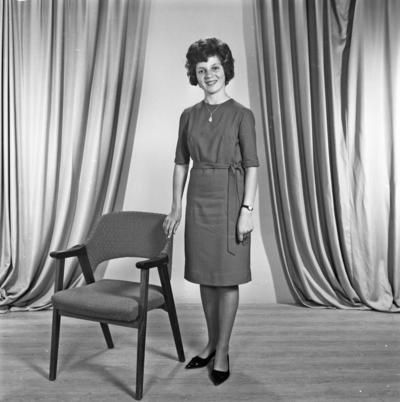 Portrett ung kvinne - bestiller Marit Kallevik