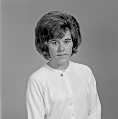 Portrett ung kvinne - bestiller Solveig Johansen