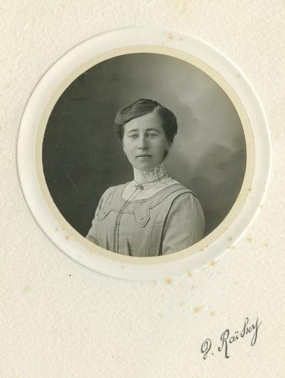 Kvinneportrett av ukjend dame