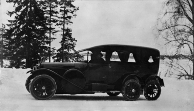 Clarin Mustads 11-seters og 6-hjulet bil fra 1916-1917