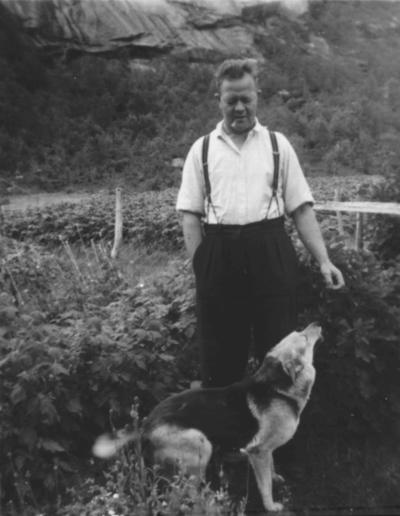 Gustav Jakobsen f