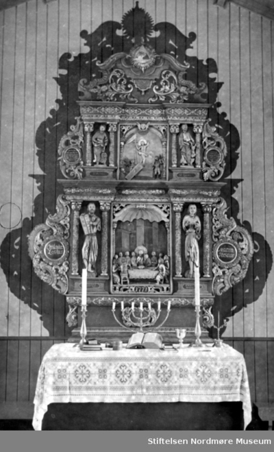 Altertavlen i Bremsnes kirke