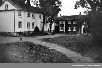 Foto fra Gjemnes gård i Gjemnes kommune
