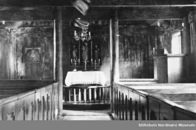 På bildet ser vi fra interiøret i Grip stavkirke
