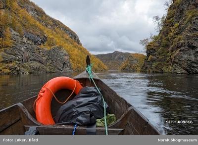 Elvelandskap ved Kautokeinoelva/Guovdageaineatnu i Finnmark