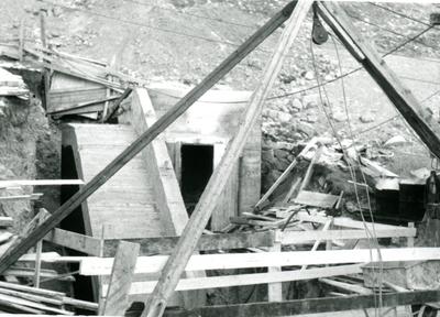 Anlegsarbeid i Hol stubbebrytar i arbeid
