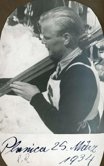 Sigmund Ruud under konkurranse i Planica