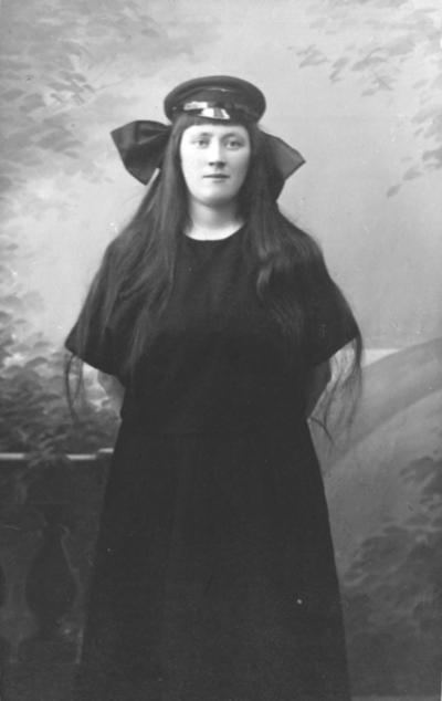 Portrett av Olga Viklund f