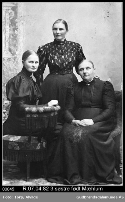 Søstre født Mæhlum