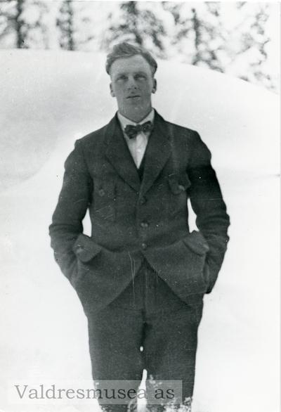 Ungdomsfoto av Johannes Olsen Lien