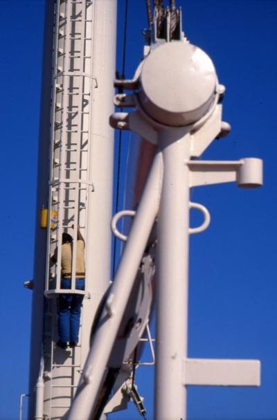Vedlikeholdsarbeid ombord i T/T 'Wind Eagle' (b