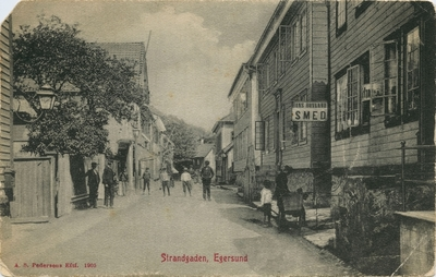 Strandgaten i Egersund ved krysset med Aarstadgaten