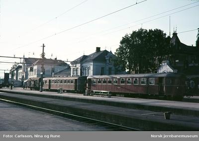 Motorvogntog type 86 på Hamar stasjon