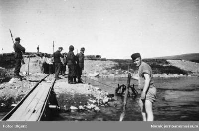 Krigsfanger i arbeid på Polarbanen nord for Fauske