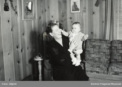 Kirsten Flagstad og hennes dattersønn Sigurd Hall Dusenberry i Bozeman