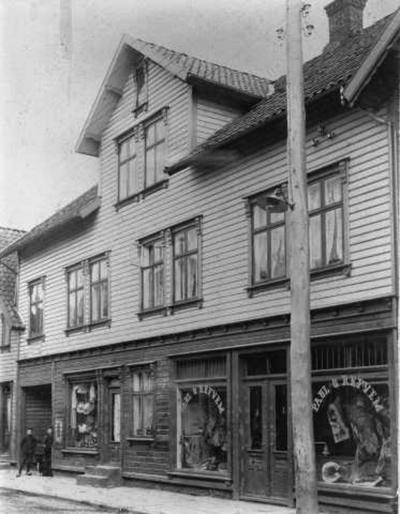 Slagterbutikken til Paul Refvem i Langgata