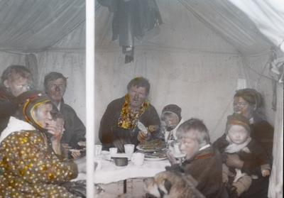Fra foredragsrekken Landmålerlivet i Finnmark v/Axel Printz : Sjokoladefest i landmålerleiren