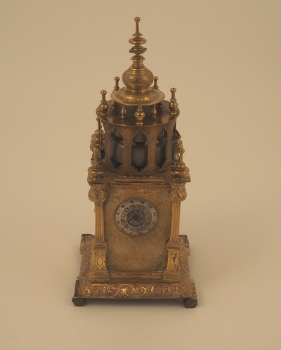 TårnetVerketsBordur (tabernakelur) designet som et tårnformet tabernakel i forgylt kobber
