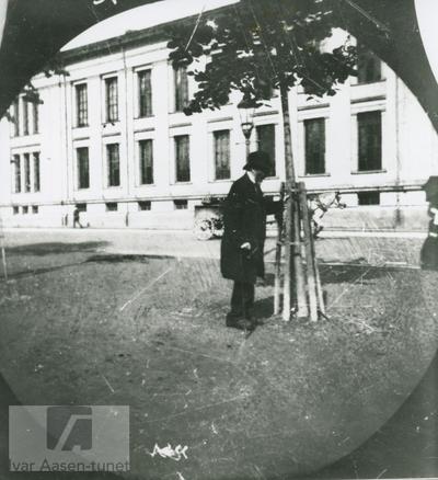 Ivar Aasen ved universitetet