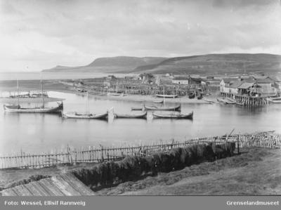 Elvemunningen og havna i Jakobselv i Nordvaranger