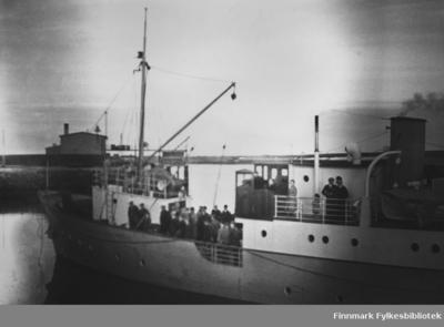 Lokalbåten Hornøy ved Vadsø D/S Kai