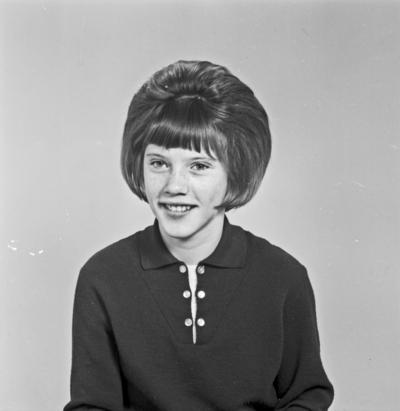 Portrett ung kvinne - bestiller Kari Hia