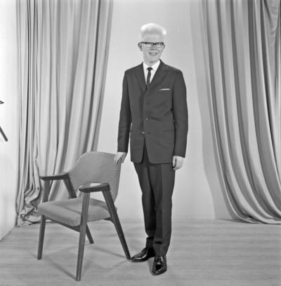 Portrett ung mann - bestiller Gunnar Eriksen
