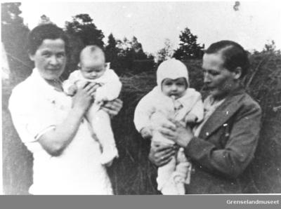 To kvinner med barn