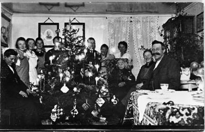 Julaften 1917 i stua på gården Majer i Østre Toten