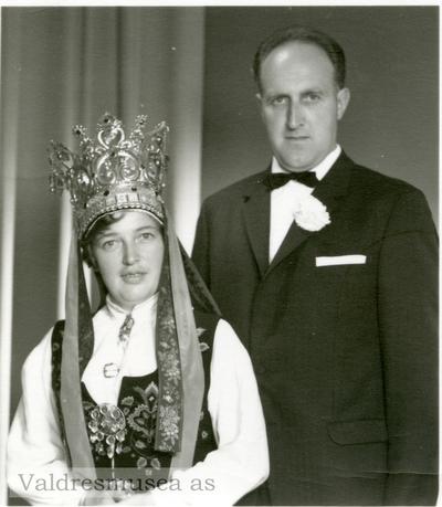 Bryllupsfoto av Arne og Torbjørg Kleven