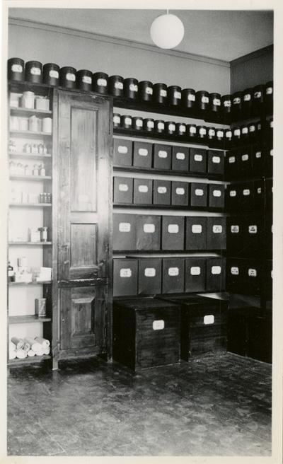 Interiør fra lagerrom for droger