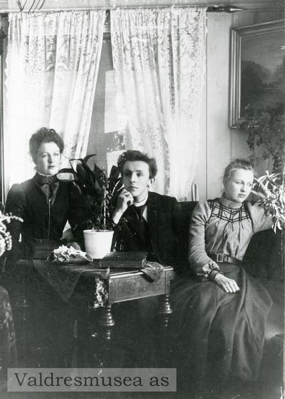 Portrett av søskenene Ragnhild