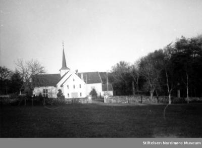 Bremsnes kirke sett fra sør