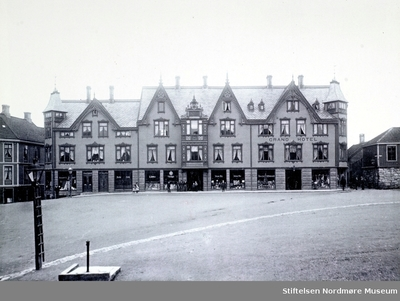 Det første Grand Hotell på Torget