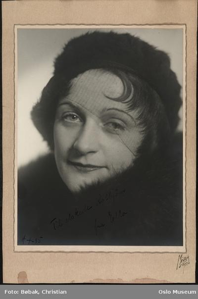 Ella Hval.