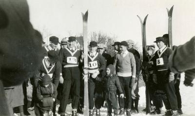 Medlemmer av hopplandslaget med familie i Lake Placid