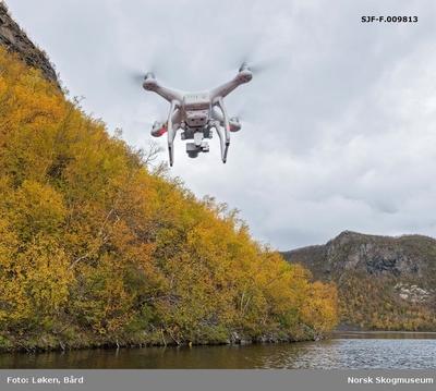 Kameradrone over Kautokeinoelva/Guovdageaineatnu i Finnmark