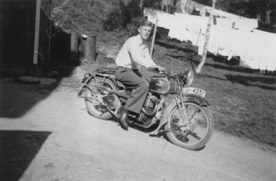 Idar Svartvand på motorsykkel