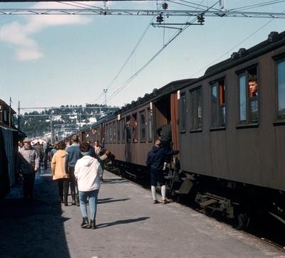 Ekstratog til Bergen tredje påskedag