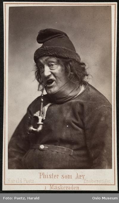 Phister som Arv i Maskeraden.