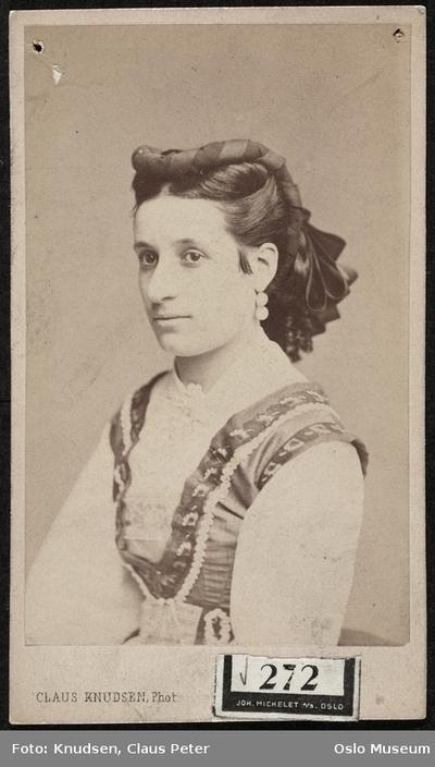 Mdm. Helene Porge.