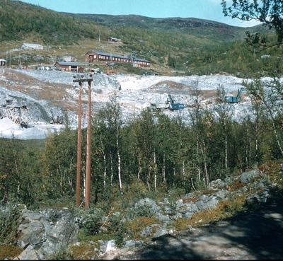 Brakker og steinbrudd på Kaslegrasmyran