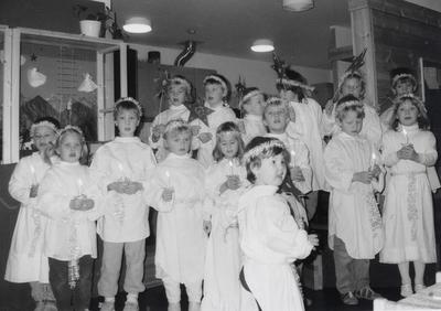 Luciaprosesjon i en av barnehagene
